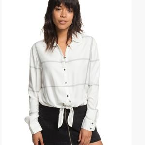 NWT Roxy Suburb Vibes Shirt with Tie Knot-S